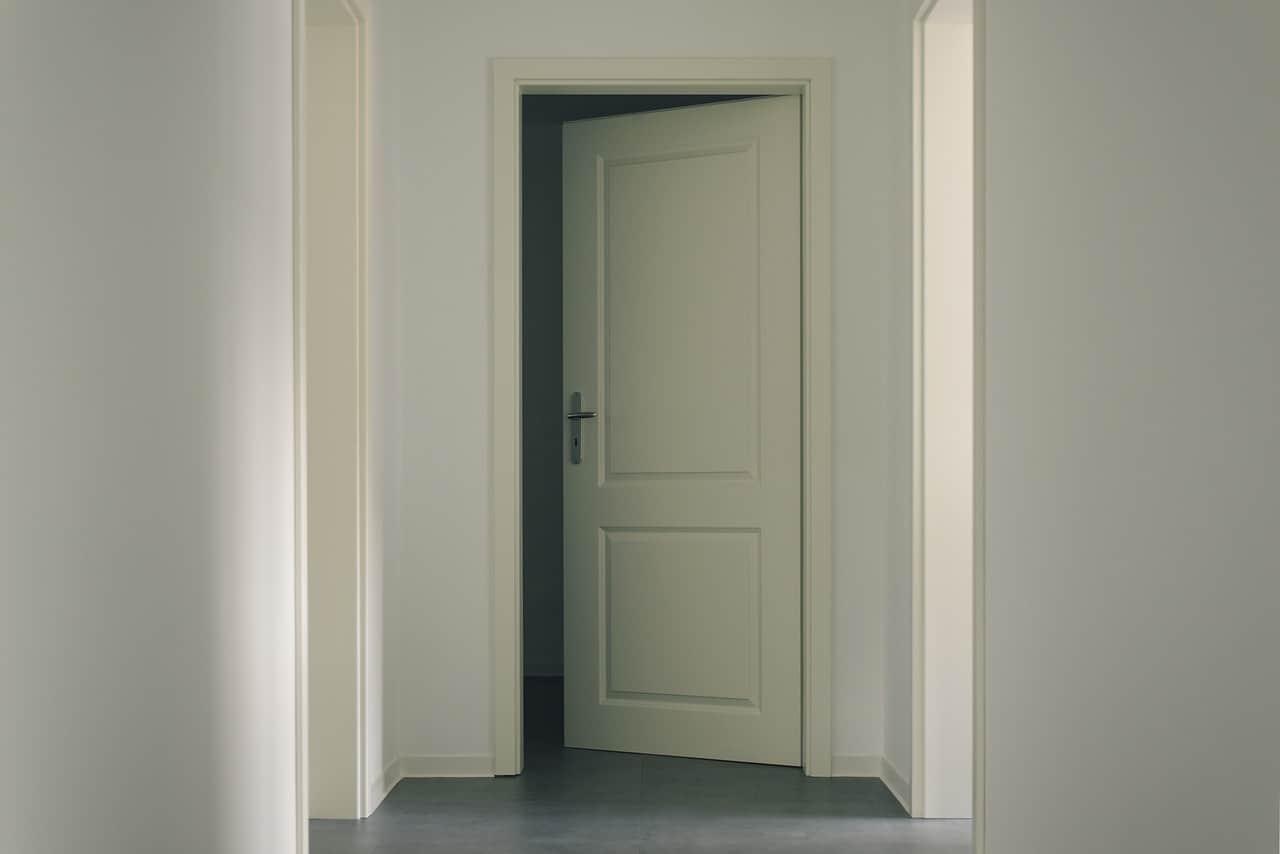 דלת פתוחה